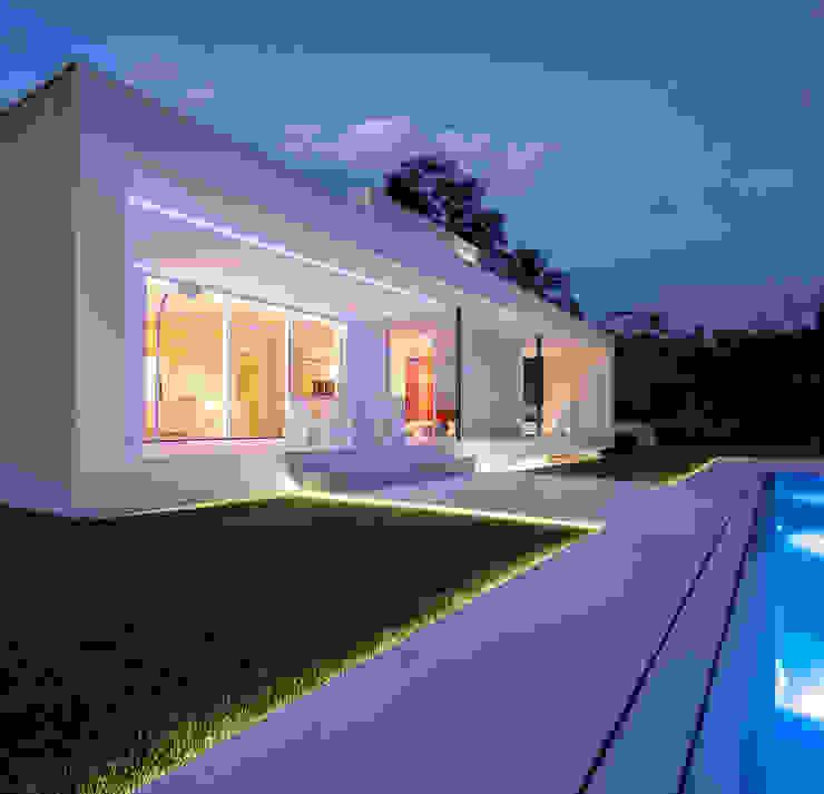Casa Herrero | 08023 architects Simon Garcia | arqfoto Piscinas de estilo moderno