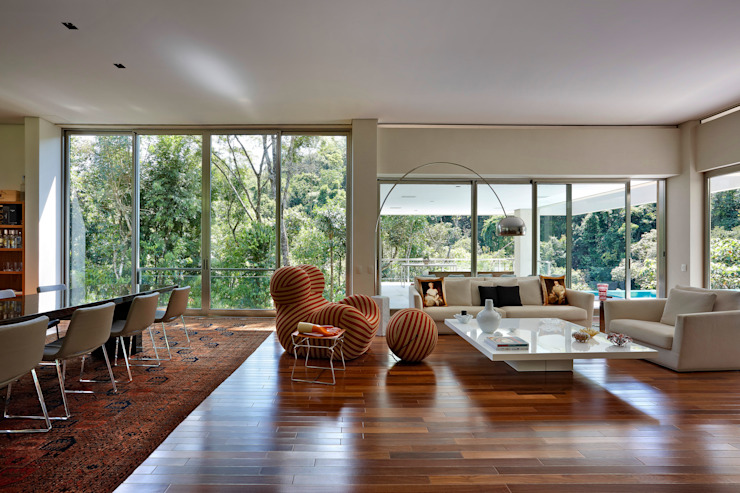 Dining room by Lanza Arquitetos, Modern