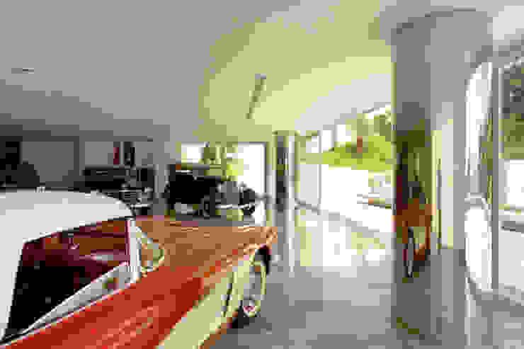 Casa Mangabeiras 2 Modern garage/shed by Lanza Arquitetos Modern
