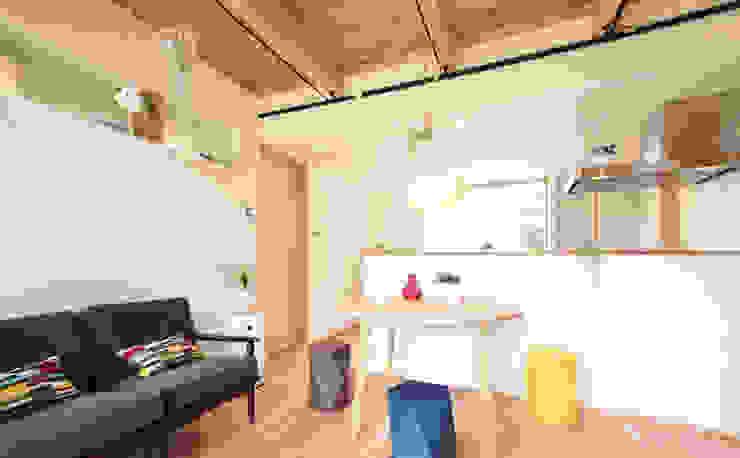 合同会社negla設計室 Scandinavian style living room Wood White