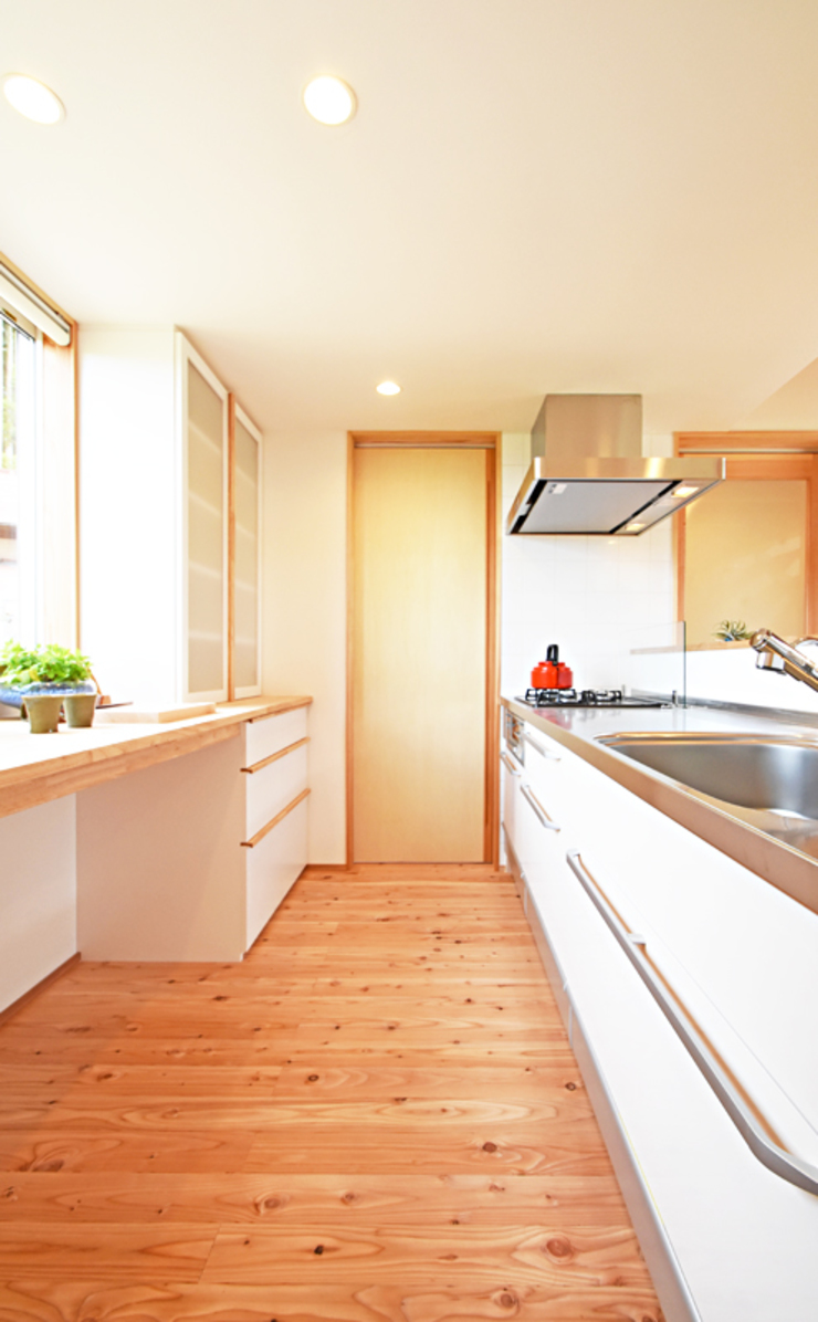 合同会社negla設計室 Scandinavian style kitchen Wood White