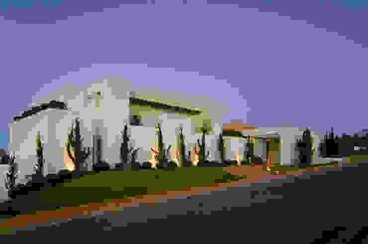 Alberto Alkmim Casas modernas de Lanza Arquitetos Moderno