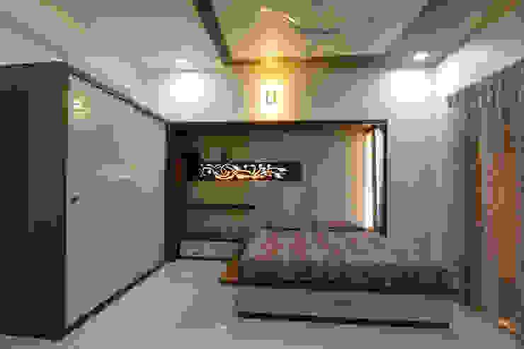 Guest Bed Room: modern  by KRUTI,Modern
