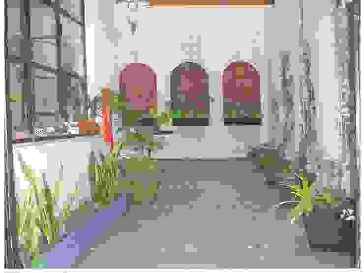Jardines de estilo moderno de Dhena CONSTRUCCION DE JARDINES Moderno Granito