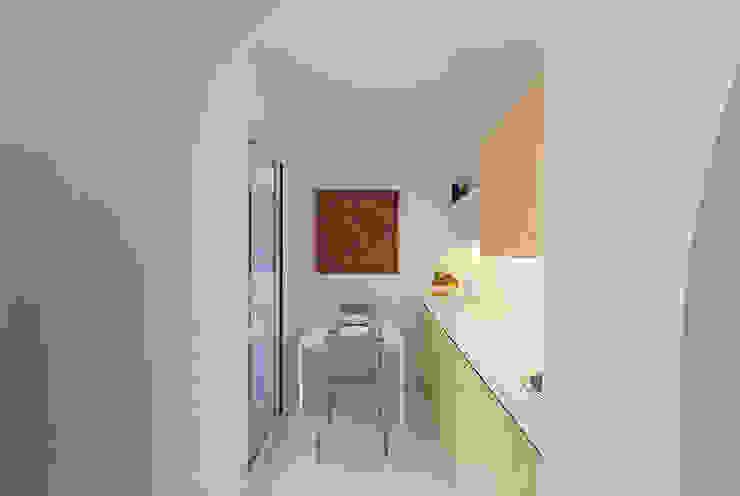Кухня в стиле модерн от STUDIOTALENT srl Модерн