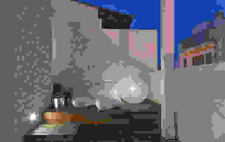 Terrasse de style  par STUDIOTALENT srl, Moderne