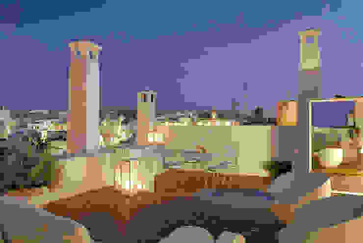 Modern balcony, veranda & terrace by STUDIOTALENT srl Modern