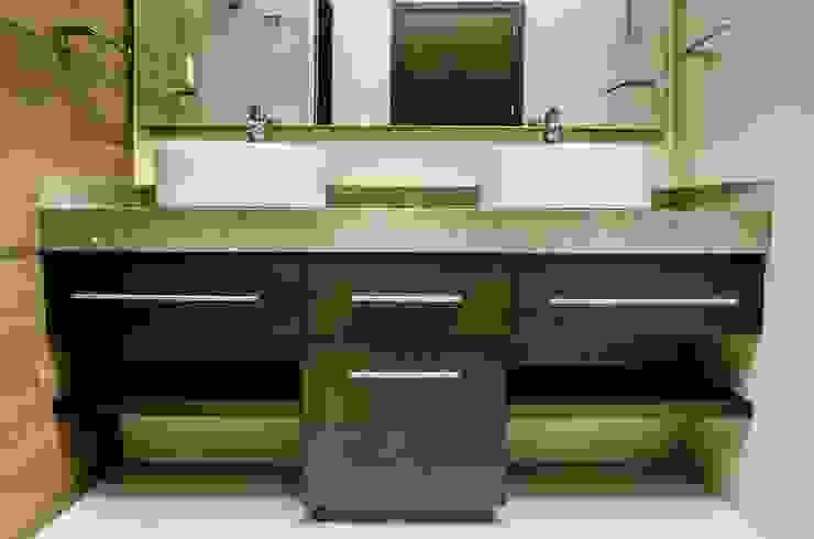 Lavabos en baño Baños modernos de ARKOT arquitectura + construcción Moderno