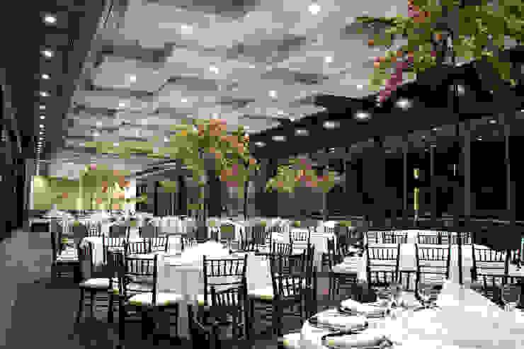 Salón y Terraza La Silla – Cintermex Locaciones para eventos de estilo ecléctico de CH Proyectos Ecléctico
