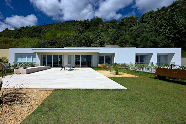 Houses by Lanza Arquitetos,