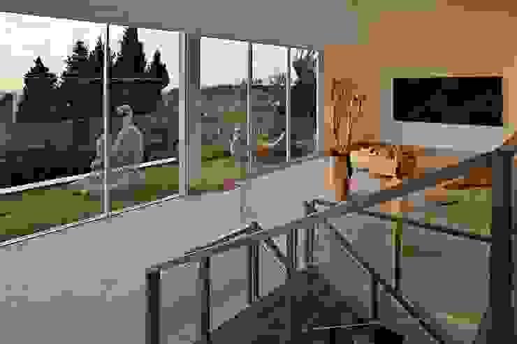 Casa nas Mangabeiras Pasillos, vestíbulos y escaleras modernos de Lanza Arquitetos Moderno