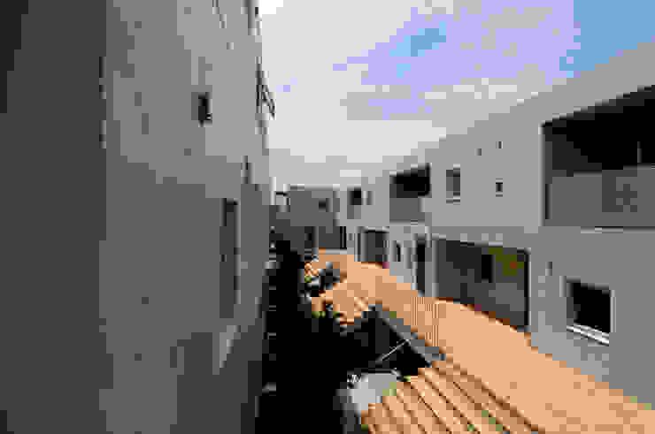 株式会社長野聖二建築設計處 Балкони, веранди & тераси Меблі