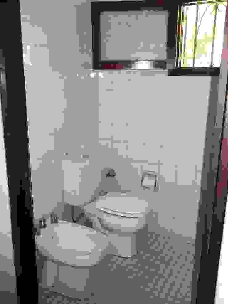 Baño Liliana almada Propiedades Baños de estilo clásico