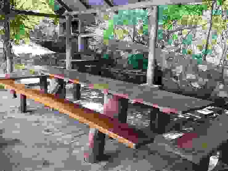 quincho: Jardines de estilo  por Liliana almada Propiedades