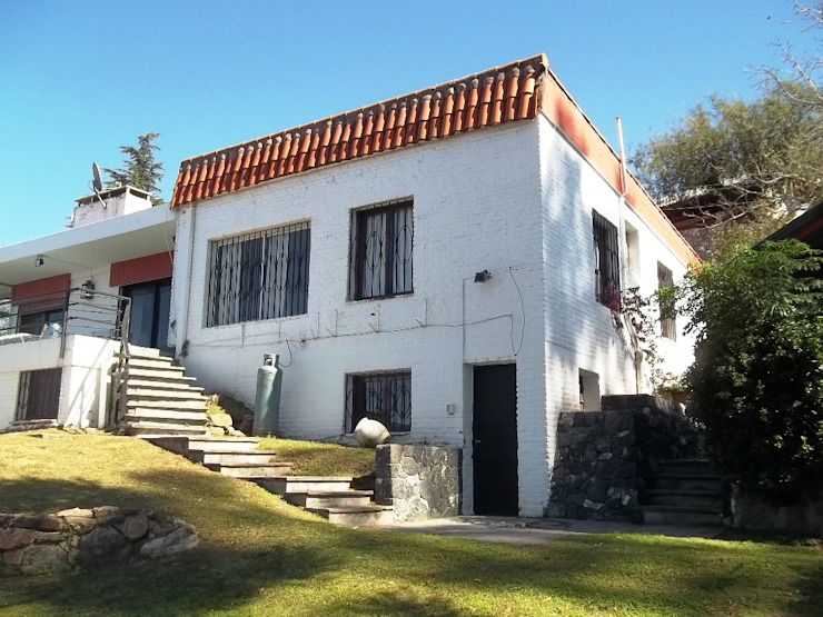 Fachada Exterior Liliana almada Propiedades Casas de estilo clásico