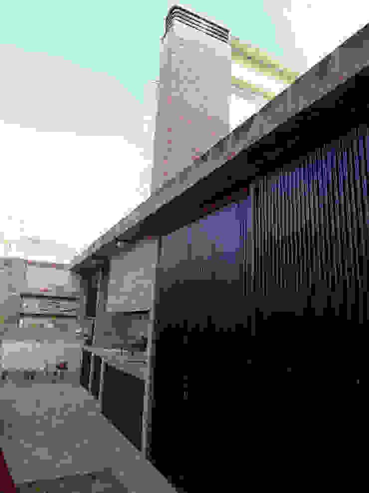 Modern style gardens by Prece Arquitectura Modern