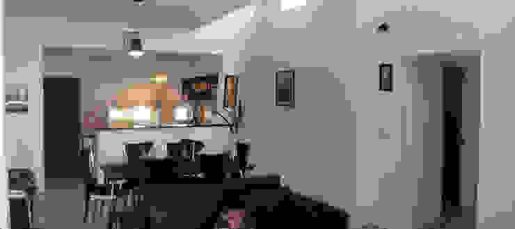 Casa P_1330 Livings modernos: Ideas, imágenes y decoración de ELVARQUITECTOS Moderno