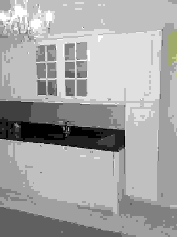 Ağaoğlu Mimarlık Mobilya – Beyaz Mutfak Dolabı : modern tarz , Modern