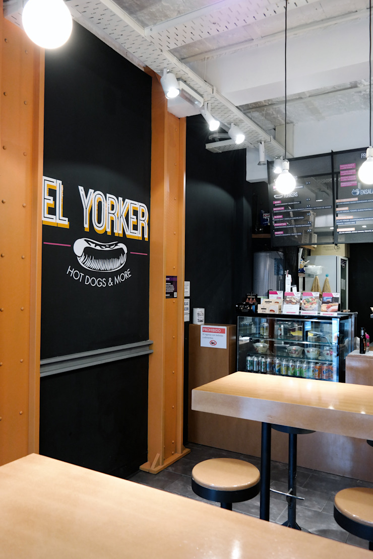 diseño de locales • EL YORKER Gastronomía de estilo industrial de Estudio Cebra Industrial