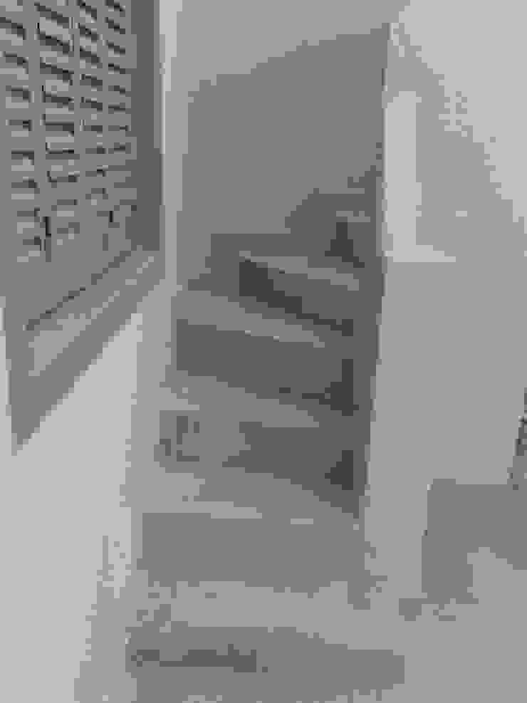 Reforma Integral PH Pasillos, vestíbulos y escaleras modernos de Grupo PZ Moderno