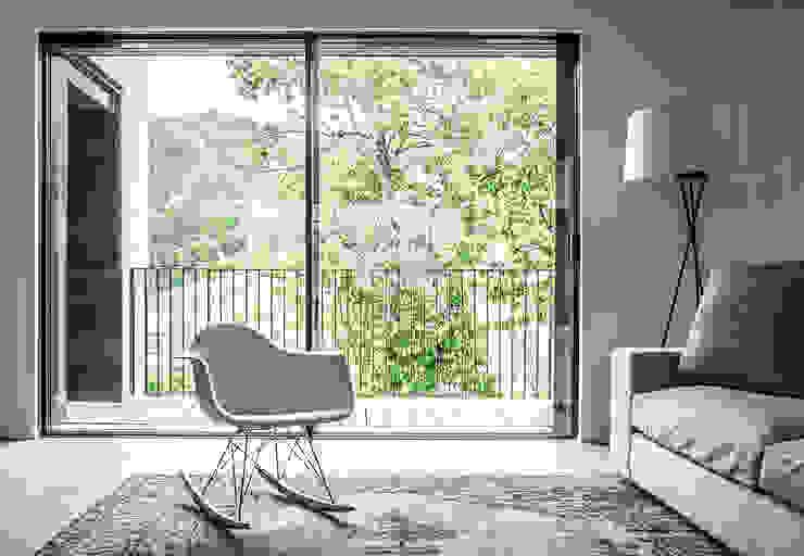 Modern Living Room by CN10 ARCHITETTI Modern Glass