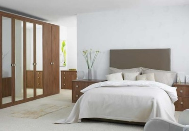 Guest Bedroom GSI Interior Design & Manufacture Minimalist bedroom