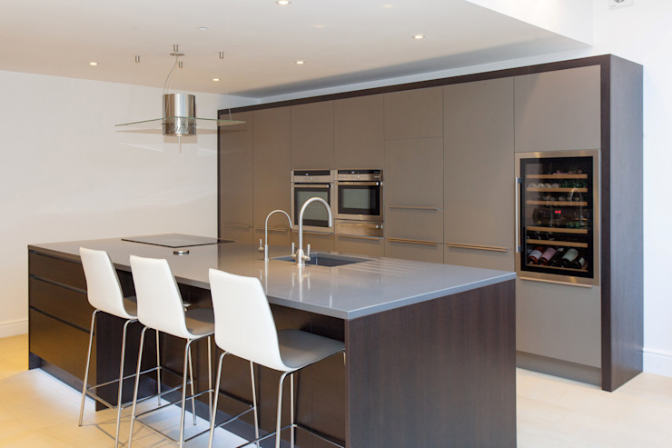 Cocinas de estilo  de Hampshire Design Consultancy Ltd., Moderno