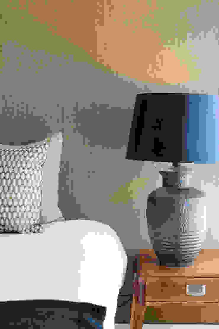 Pormenor do quarto Quartos modernos por Traço Magenta - Design de Interiores Moderno Madeira Acabamento em madeira