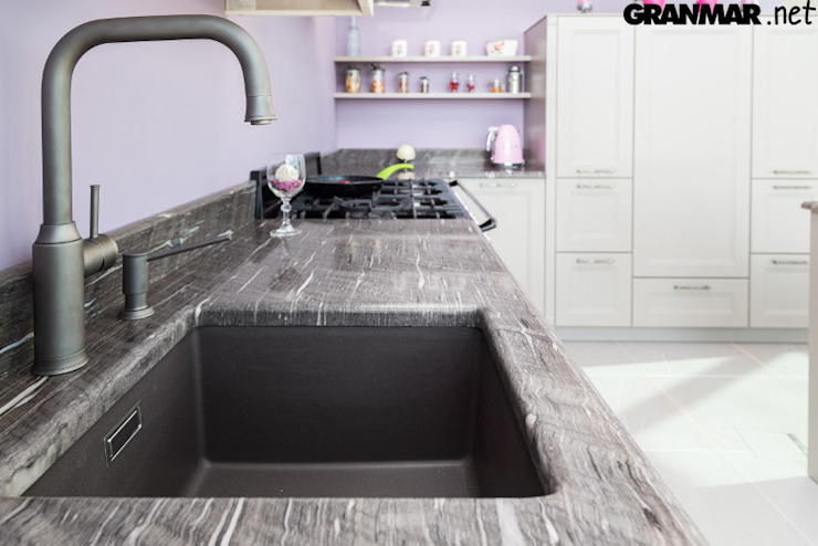 by GRANMAR Borowa Góra - granit, marmur, konglomerat kwarcowy Classic Quartz