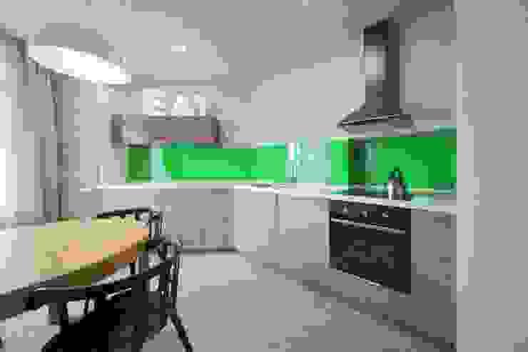 Industrial style kitchen by Студия дизайна интерьера 'Градиз' Industrial