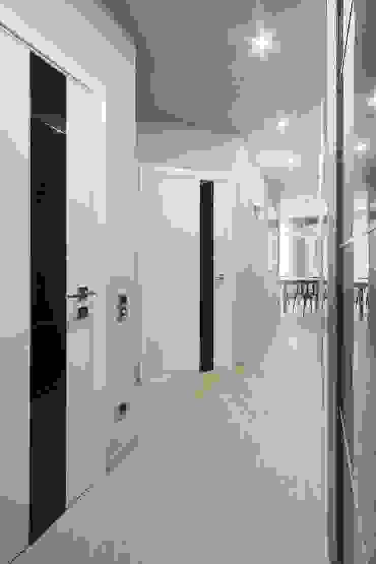 Industrial corridor, hallway & stairs by Студия дизайна интерьера 'Градиз' Industrial