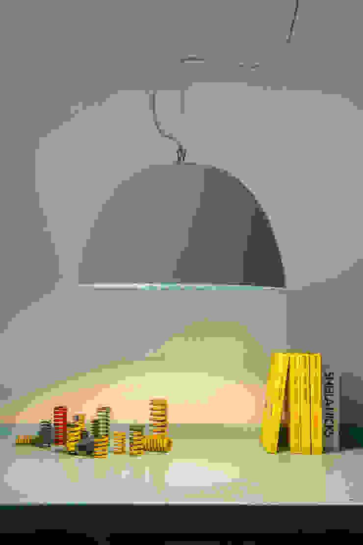 H2O cemento di in-es.artdesign Moderno