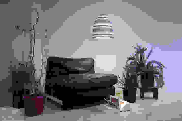 Flower stripe di in-es.artdesign Moderno