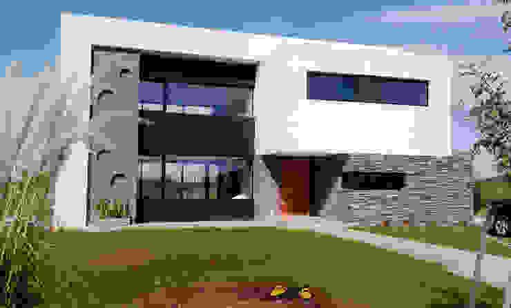 Casa M2 - Estudio Fernandez+Mego: Casas de estilo  por Estudio Fernández+Mego,Minimalista