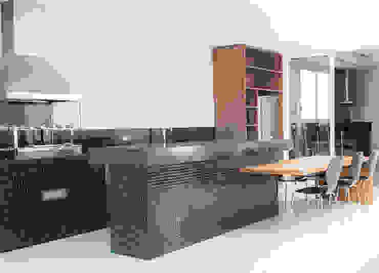 Camila Castilho - Arquitetura e Interiores Balcon, Veranda & Terrasse modernes