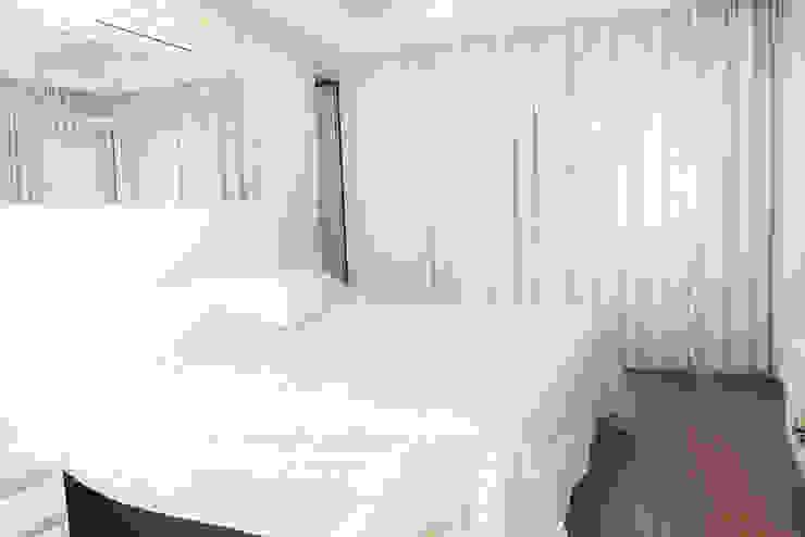 Camila Castilho - Arquitetura e Interiores Chambre moderne