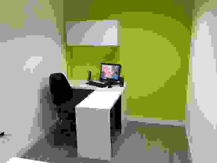 OFICINA SIESCOM, C.A. Oficinas de estilo moderno de DEKOR BARQUISIMETO Moderno Tablero DM