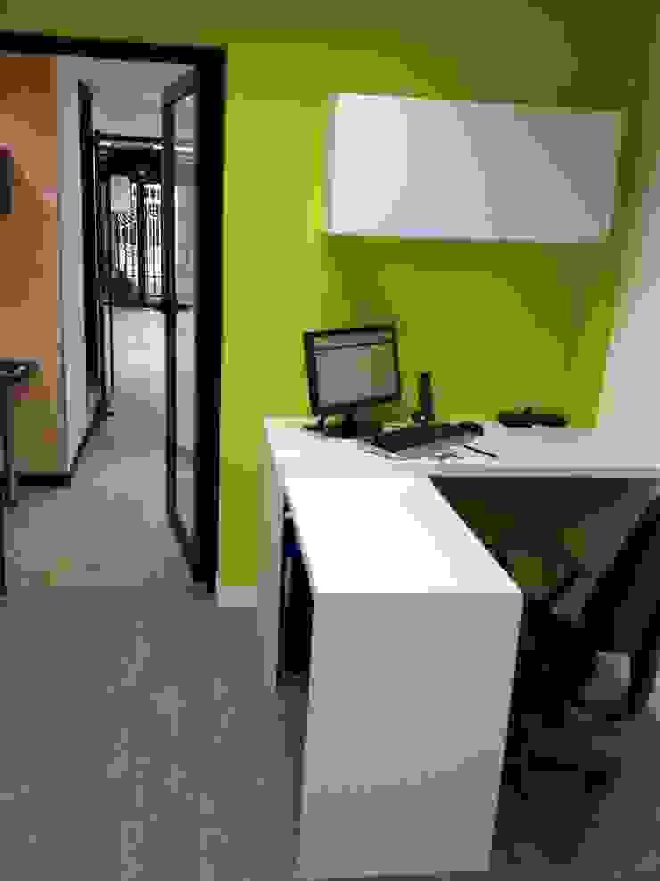 OFICINA SIESCOM, C.A. Oficinas de estilo moderno de DEKOR BARQUISIMETO Moderno