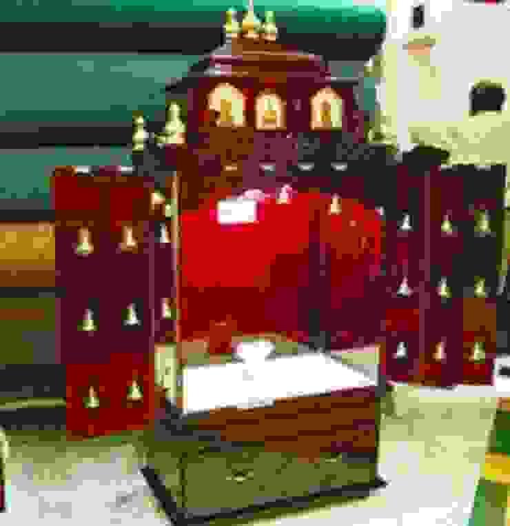 Гостиная в классическом стиле от Dream space Interiors Классический Фанера