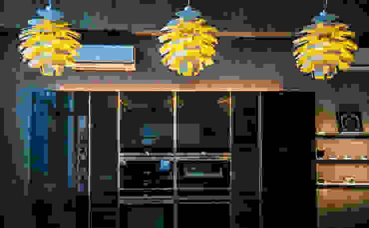 Cocinas de estilo moderno de Hacker Kitchen Moderno