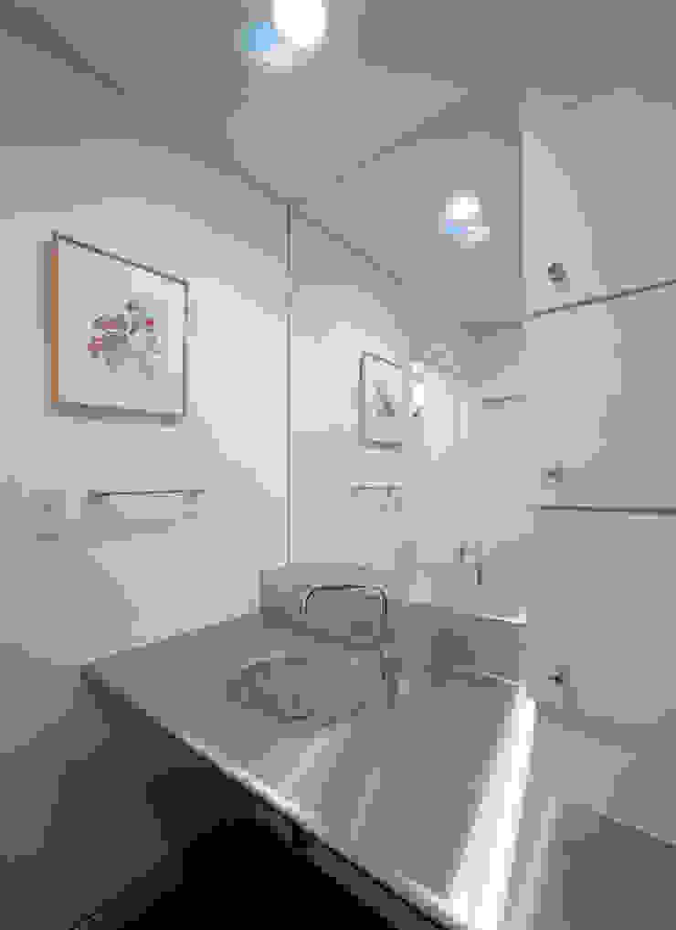 洗面 モダンスタイルの お風呂 の atelier m モダン 鉄/鋼
