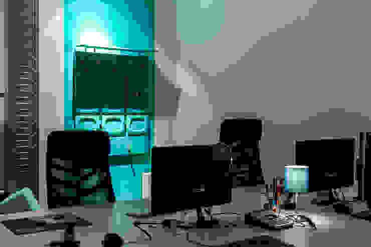 Studio Stern Bangunan Kantor Modern