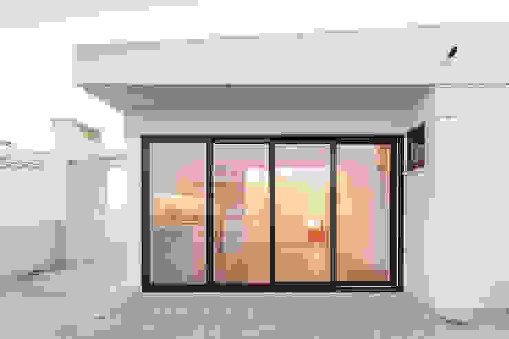 Casa da Porteira: Salas de estar  por AFarquitectos,
