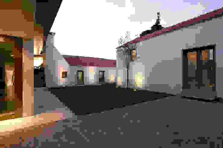 Lousinha Arquitectos Casas estilo moderno: ideas, arquitectura e imágenes
