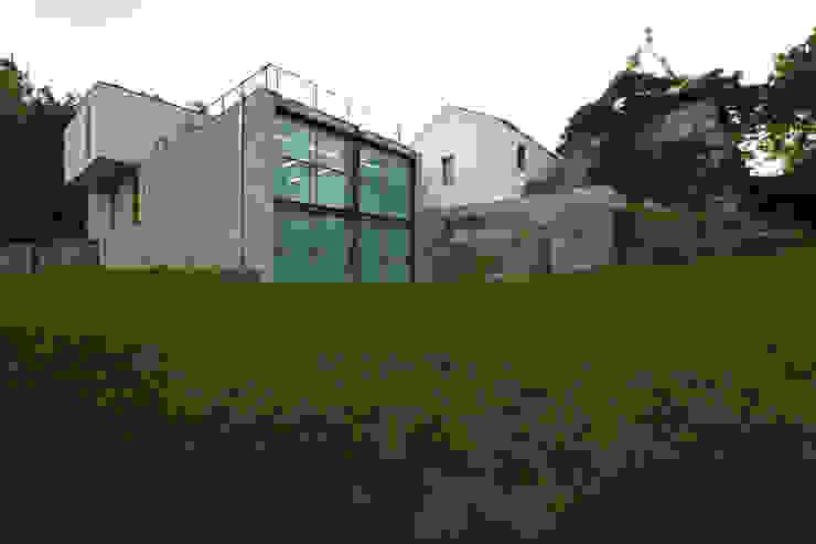 Casas modernas de Lousinha Arquitectos Moderno