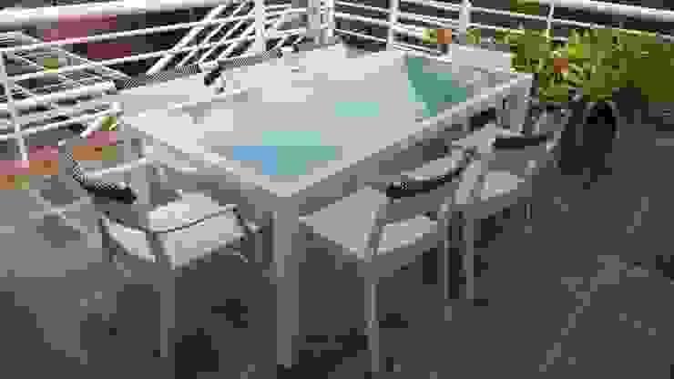 Terraza El Cafetal Balcones y terrazas de estilo moderno de THE muebles Moderno