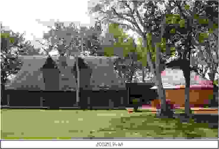 FACHADA PALAPAS EN ZODZIL Jardines clásicos de AIDA TRACONIS ARQUITECTOS EN MERIDA YUCATAN MEXICO Clásico Madera Acabado en madera