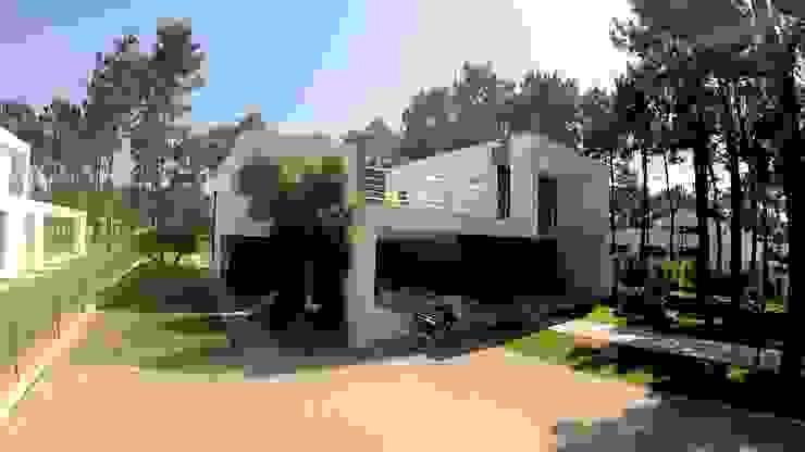 Kiss-house - Herdade da Aroeira - Portugal Casas minimalistas por Arquitecto Telmo Minimalista Betão