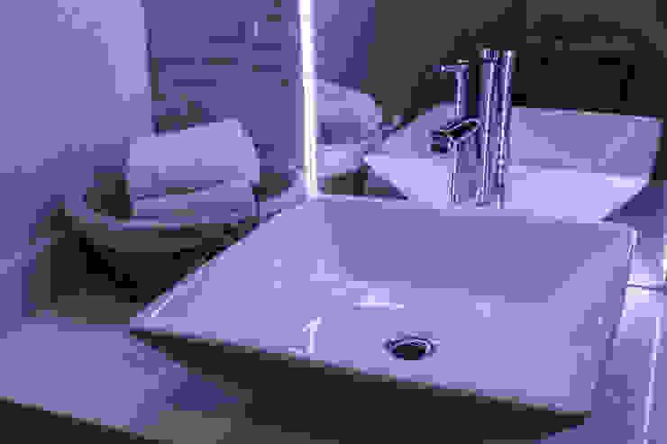 Últimos trabajos Modern bathroom by Spazio3Design Modern