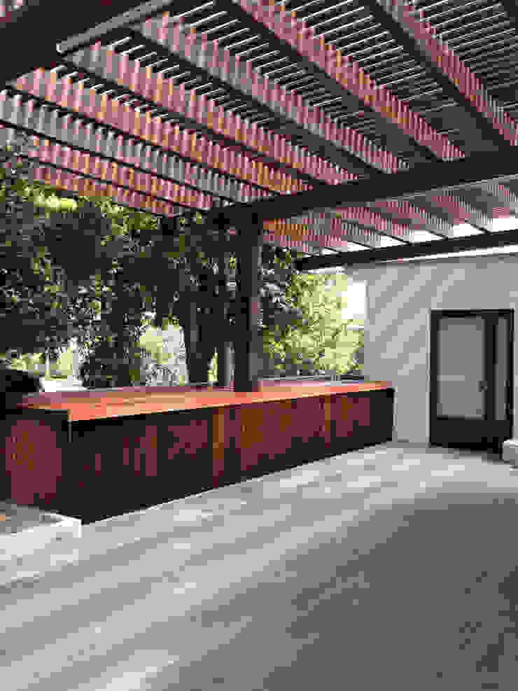 Últimos trabajos Balcones y terrazas modernos de Spazio3Design Moderno